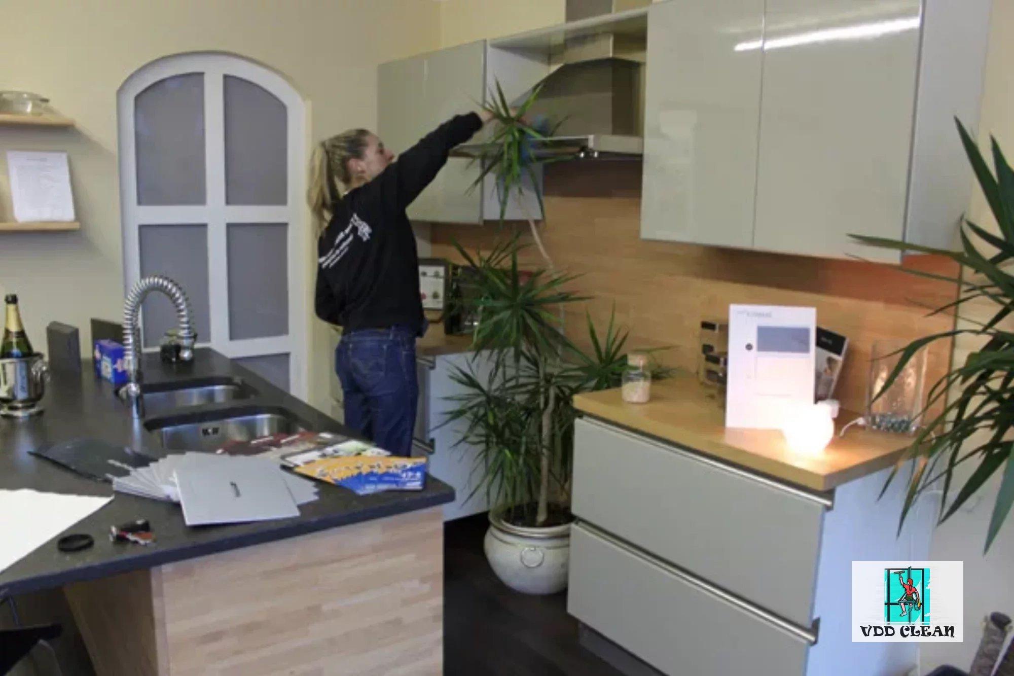 Nettoyage locaux professionnels bureaux show rooms à la